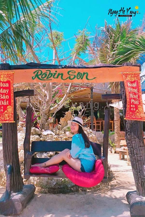 Check-in trên đảo Robinson