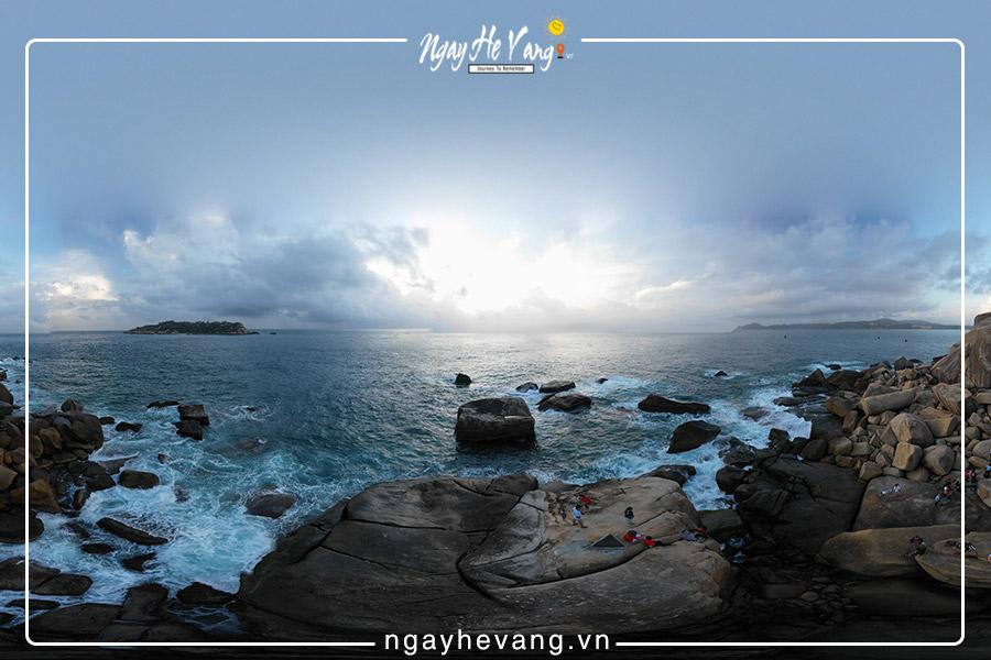 Du lịch mũi đôi ở vịnh Vân Phong