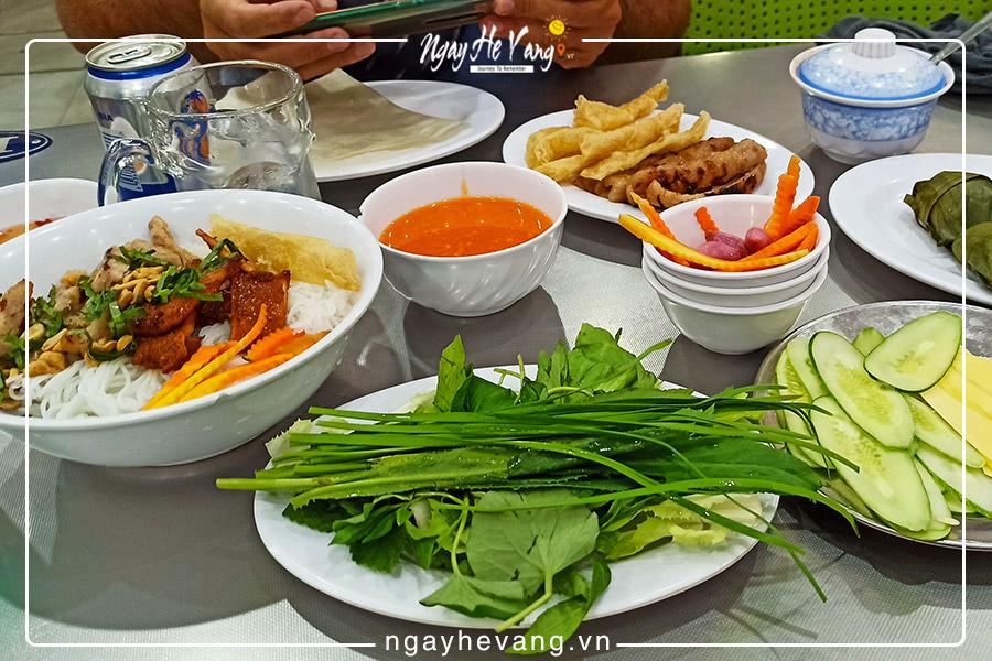 Nem nướng đặc sản ở Nha Trang