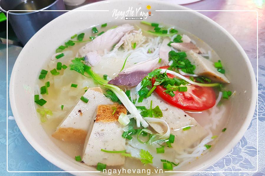 Bánh canh, bún cá đặc sản ở Nha Trang