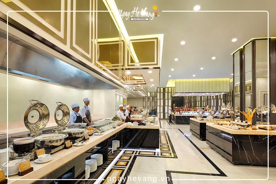 Nhà hàng Coral Vinpearl Condotel Beach Front Nha Trang