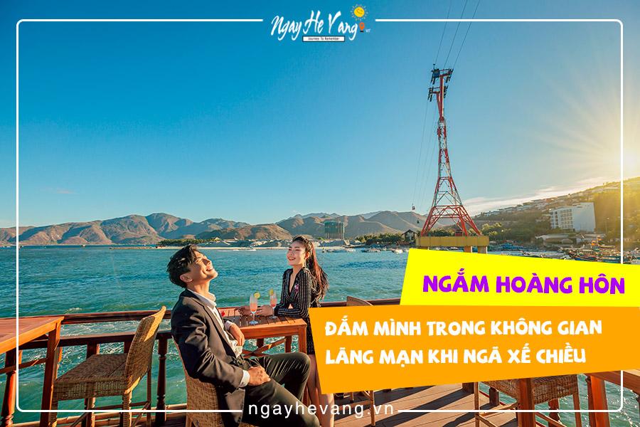 Tour du thuyền ban đêm Nha Trang