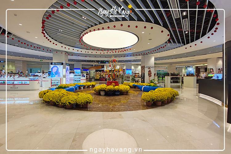 Trung tâm mua sắm Gold Costa Mall