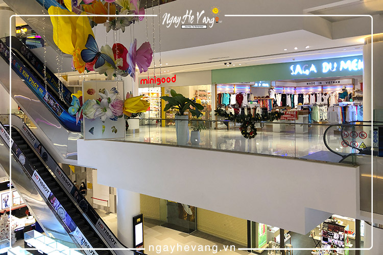 Trung tâm mua sắm A&B Central Square